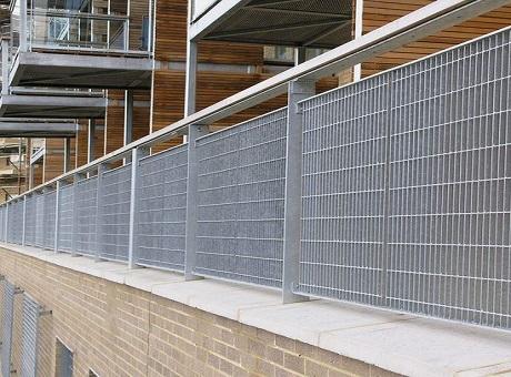 钢格栅阳台护栏.jpg